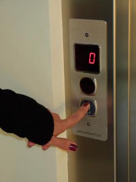 ascensor cae en roma