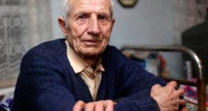 ancianos sin poder salir de casa